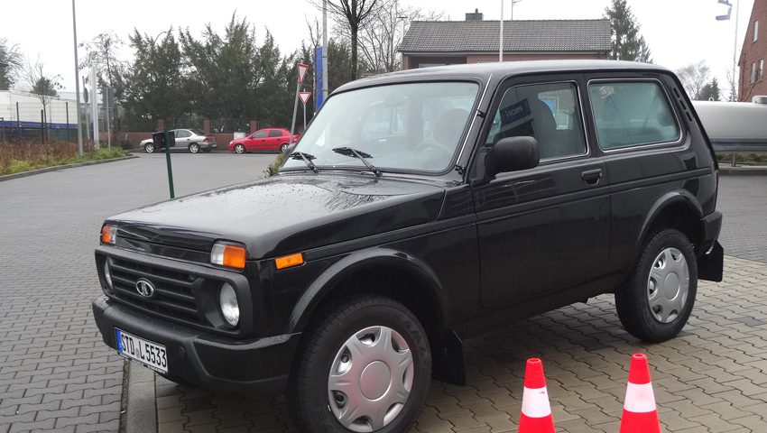 Lada 4x4 Urban vorne links